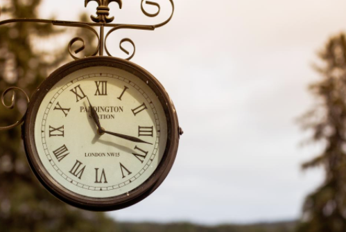 free_image_of_clock__time__train_station_-_stocksnap_io
