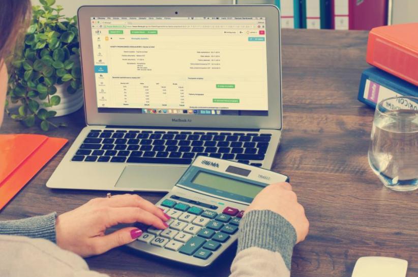 Free_image_of_accounting__finance__money_-_StockSnap_io