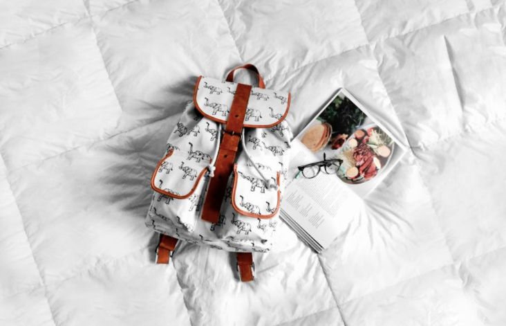 Free_image_of_white__bed__bag_-_StockSnap_io